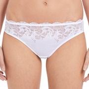 Chilot Wacoal Lace Affair White clasic