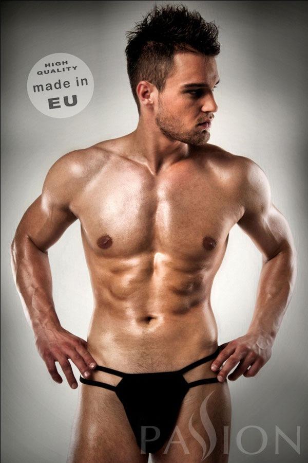 Tanga erotic barbatesc Lukas